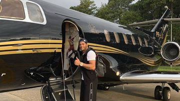 Hulk compra un avión privado con su firma y su foto.