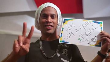 Ronaldinho, embajador del Comité Paralímpico brasileño ha lanzado la canción 'Eu sou do mundo, um vencedor' con Jhama y Pablo Luiz para animar a los deportistas paralímpicos de Brasil.