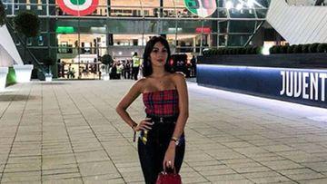 Georgina Rodriguez posa por primera vez en el estadio de la Juventus