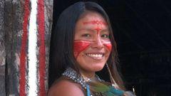 Cunhaporanga, la joven indígena que arrasa en TikTok por mostrar las costumbres de su aldea
