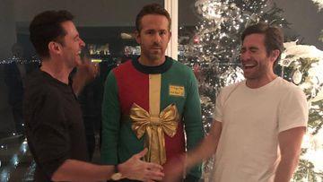 Ryan Reynolds, troleado por Jake Gylenhaal y Hugh Jackman por Navidad.