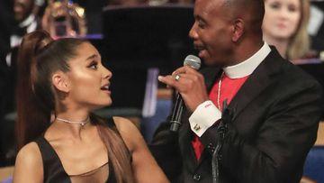 Charles Ellis pide disculpas por el tocamiento a Ariana Grande en el funeral de Aretha Franklin.