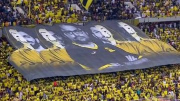 Un tifo durante un partido de la liga de Arabia Saudí muestra el éxito de La casa de papel.