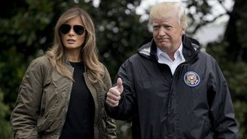 Melania Trump, muy criticada en las redes sociales por aparecer con tacones en la visita a Texas tras la catástrofe del huracán Harvey.