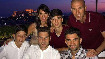 Zinedine Zidane con su mujer Veronique y sus cuatro hijos, Enzo, Luca, Théo y Élyaz Zidane