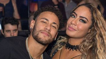 Neymar con su hermana Rafaella.