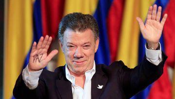 El presidente de Colombia, Juan Manuel Santos, ha sido galardonado con el Premio Nobel de la Paz 2016 por sus esfuerzos en el proceso de paz con las FARC.