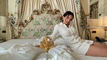 Imagen de Rosalía con su nuevo bolso.