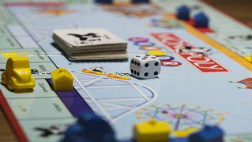 Reúnete con amigos o familiares y juega a los mejores juegos de mesa del momento.