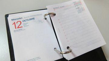 Imagen de una agenda abierta por el 12 de octubre.