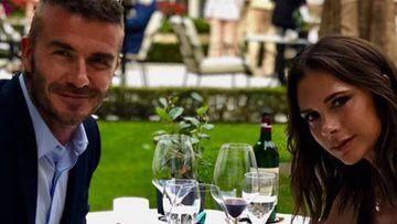 David y Victoria Beckham celebran su 19 aniversario en París.