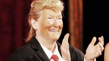 Meryl Streep, caracterizada de Donald Trump, actuó en la gala del Public Theater Gala en New York City.