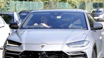 Imagen de Cristiano Ronaldo en su Lamborghini Urus.