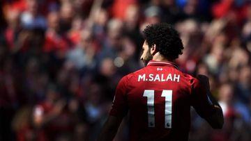 Mo Salah muestra su truco para poder viajar de incógnito.