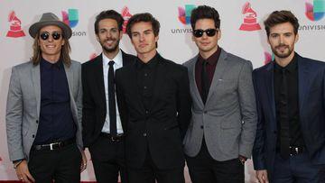 El grupo español Dvicio en su llegada a los Grammy Latinos 2016
