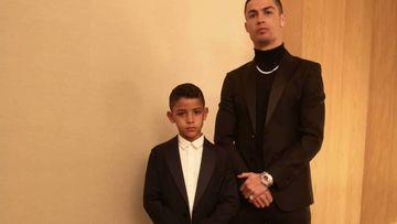 Cristiano obvia las declaraciones de su exnovia y posa con estilo junto a su hijo.