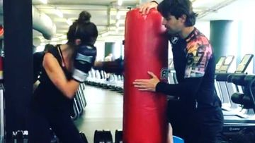Lara Álvarez entrenando boxeo