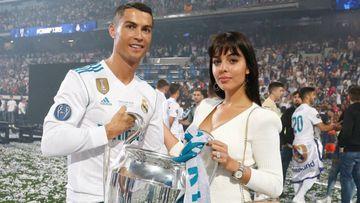 Cristiano Ronaldo y Georgina Rodríguez durante la celebración de la 13ª Champions League del Real Madrid en el Santiago Bernabéu.