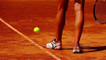 Las zapatillas, uno de los elementos vitales para jugar cómodo al tenis