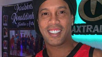 Ronaldinho se pasa al rap y lanza la canción 'Garra'.