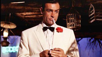 Sean Cinnery como James Bond.